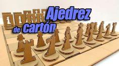 Juego de Ajedrez de cartón, hecho totalmente con materiales reciclados