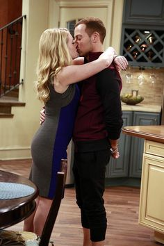 Best TV Kisses of 2014: Melissa & Joey