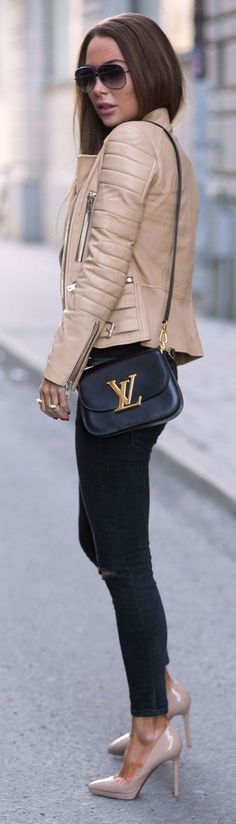 Great street fashion look - LOUIS VUITTON shoulder back