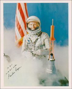 The last man to go into space alone. Gordon Cooper, Space Pioneers, Project Mercury, Apollo Program, Apollo Missions, Nasa Astronauts, Vintage Space, Look At The Stars, Space Program