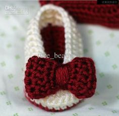 Picture only Crochet Baby Booties - Ballet Slippers - Bows Crochet Baby Sandals, Baby Girl Crochet, Crochet Baby Booties, Crochet Slippers, Love Crochet, Crochet For Kids, Knit Crochet, Crochet Crafts, Yarn Crafts
