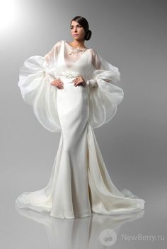 Different Wedding Dresses (Page Why marriage ceremony clothes are so costly? There are two sides to this argument. Some say that as a result of bridal clothes use beautiful materials. Different Wedding Dresses Couture Dresses, Bridal Dresses, Wedding Gowns, Fashion Dresses, Prom Dresses, Fall Wedding, Dresses 2014, Fall Dresses, Elegant Dresses