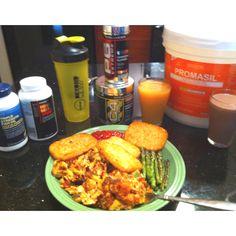 Pre M.A.S.S. builder workout! 8eggs, avocado, asparagus, potatoes. #protein, #carbs @GNCCanada @Cellucor @RIVALUS #MassGainer #Diet