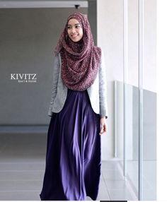 Hijab Fashion purple Abaya with grey jacket from KIVITZ Modest Dresses, Modest Outfits, Modest Fashion, Fashion Clothes, Hijab Mode, Mode Abaya, Muslim Women Fashion, Islamic Fashion, Moslem Fashion