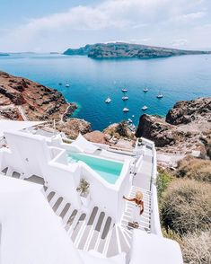 What are the Best Hotels in Santorini? What To Do while on the island? How to get to Santorini? Santorini Island, Santorini Greece, Mykonos, Wellness Resort, Chula, Destination Voyage, Travel And Leisure, Best Hotels, Bangkok