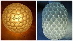 Lampe avec gobelets plastique (1) et cuillères plastiques (2)