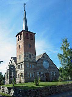 Panelian kirkko.jpg
