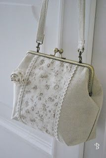.simple frame bag but so elegant