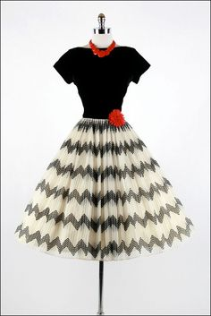 Vintage 1950s Dress White Black Zig Zag Party by millstreetvintage