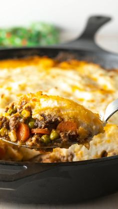 The Best Cottage Pie Recipe (Shepherd's Pie with Beef!) Learn How to Make Shepherd's Pie in ONE POT for Saint Patrick's Day + Video Tutorial! Easy Pie Recipes, Meat Recipes, Cooking Recipes, Pasta Recipes, Recipies, Best Shepherds Pie Recipe, Shepherds Pie Recipe Pioneer Woman, Easy Shepherds Pie, Beef Dishes