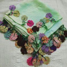 Anıtpark, Bahçelievler. Alıntı......Uyumun birbirine yakıştığı kadar hiç bir şey yakışmaz. Buda belli bir düzen disiplin içinde… Hand Embroidery Dress, Embroidery Suits Design, Hand Embroidery Stitches, Embroidery Art, Form Crochet, Crochet Motif, Crochet Lace, Saree Tassels Designs, Crochet Symbols