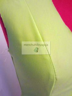 Cómo trazar el cuerpo del traje de flamenca Carolina Herrera, Sewing Hacks, Couture, Tote Bag, Embroidery, Knitting, Sleeves, Bags, Style