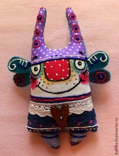 Любовь Лаврентьева. Брошки: `Феи- сударушки`. Милые и смешные брошки 'Феи- сударушки' станут  оригинальным подарком, прекрасной половине человечества на 8 марта. Ugly Dolls, Cute Dolls, Sock Dolls, Doll Toys, Textiles, Weird Toys, Monster Toys, Voodoo Dolls, Cute Monsters