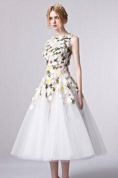 8e07617d5ece Coniefox 31301 Tea length Prom Dress 2016 Vintage Party Dress Lovely Formal  Gown with Hand Made Flowers vestido de festa. Martina Schneickert · Kleider