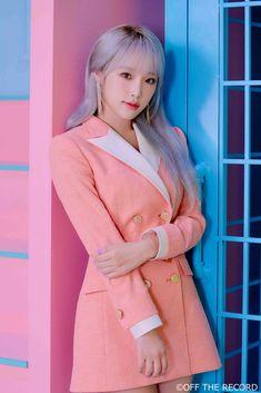 • Choi Yena