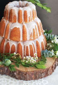 Create a beautiful Bundt cake display for your next special event or wedding with Nordic Ware's new Tiered Bundt Set! Perfect gift for weddings, birthdays, and bakers as well. Bundt Cake Pan, Bunt Cakes, Pound Cake, Cupcakes, Cupcake Cakes, Volcano Cake, Rum Cake, Fancy Cakes, Savoury Cake