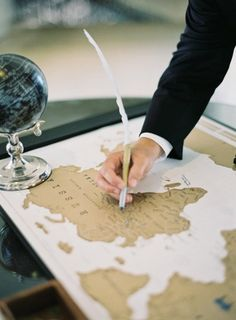 35 Non-traditional And Creative Wedding Guest Book Ideas | Weddingomania