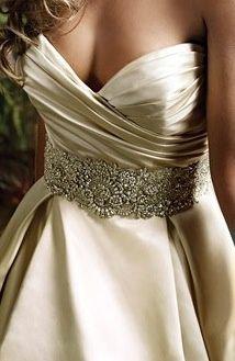 Que o meu casamento, que um dia acontecerá, seja perfeito e eterno.
