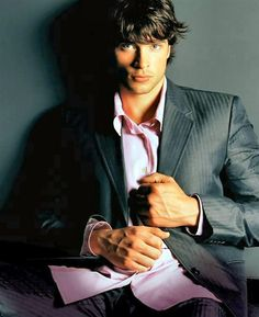 Tom Welling   :) yes please