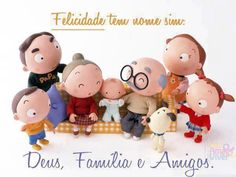 Família... São aquelas pessoas especiais que Deus nos da de presente para caminharmos juntos pela vida.. e amigos são aquelas pessoas que conquistam o nosso coração durante esse percurso!