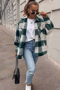 Mode inspo – Outfit ideas Comfy Fall Look With Flannel Shirt When the fall knocks on. Outfits Hipster, Trendy Fall Outfits, Mode Outfits, Outfits For Teens, Winter Outfits, Summer Outfits, Casual Outfits, Fashion Outfits, Summer Clothes