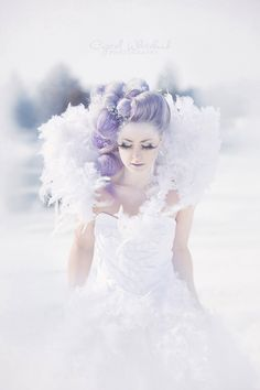 Would love to do something similar. Winter queen  Avant garde hair  Photography