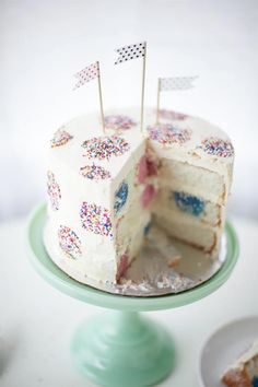 Make a polka dot inside-and-out birthday cake!