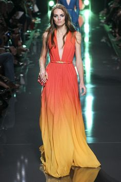 Catwalk photos and all the looks from Elie Saab Spring/Summer 2015 Ready-To-Wear Paris Fashion Week Elie Saab Spring, Ellie Saab, Look Fashion, Fashion Show, Fashion Design, High Fashion, Beautiful Gowns, Beautiful Outfits, Couture Fashion
