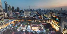 Wat Pathum Wanaram i in Siam between major shopping centres  - Bangkok SM Hub Rooftop Bangkok, Us Travel, Places To Travel, How To Use Hashtags, View App, Buddhist Temple, Shopping Center, Bangkok Thailand, Temples