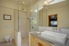 "Contemporary 3/4 Bathroom with Kingston Brass EV4335 White Pacifica 22"" Rectangular Vitreous China Vessel Sink, Rain shower"