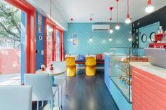 Metal Wall Art Home Decoration Code: 2272148497 Bakery Interior, Shop Interior Design, Cafe Design, Retail Design, Store Design, Architecture Restaurant, Restaurant Design, Restaurant Ideas, Commercial Design