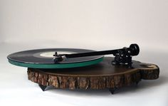 Incredible Wooden Turntables for Vinyls by Silvan Audio Workshop