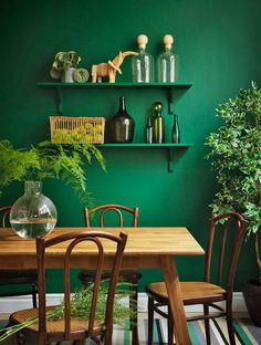 your color you'll love this gorgeous boho cottage dining room! A monochromatic color scheme makes even colorful home decor serene. Green Dining Room, Cottage Dining Rooms, Dining Room Design, Living Room Decor, Bedroom Green, Green Rooms, Interior Room Decoration, Interior Design, Room Interior