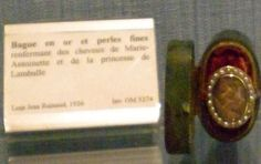 Woman's ring containing the hair of Marie Antoinette interwoven with the hair of Princess de Lamballe