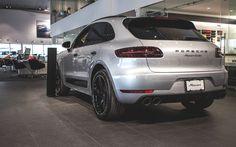 Porsche 2017, Porsche Macan Turbo, Porsche Cars, Sport Suv, Best Suv, Car Buying Tips, Car Goals, Car Shop, Car Wallpapers