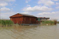 Seehütte in Rust am Neusiedlersee, Burgenland Cabin, House Styles, Home Decor, Stilt House, Human Settlement, Real Estates, Decoration Home, Room Decor