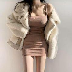 Korean Girl Fashion, Ulzzang Fashion, Kpop Fashion Outfits, Girls Fashion Clothes, Edgy Outfits, Korean Outfits, Cute Casual Outfits, Cute Fashion, Pretty Outfits