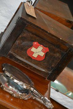 lovely little box Vintage Medicine Cabinets, Little Boxes, Vintage, Medicine Cabinet