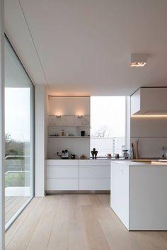 Aufregend Weiße Küche Beige Fliesen Ideen 683×1.024