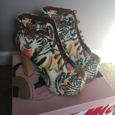 ⚡️20% Off⚡️Rare Jeffrey Campbell Tiger Print Litas ⚡️Sale 20% Off⚡️Super sassy Jeffrey Campbell Tiger print Litas. Hard to find. Size 10 women's. In GREAT condition; worn only once! Jeffrey Campbell Shoes Platforms