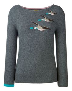 A classic country jumper with a touch of cashmere that has been given the Joules treatment with a funky mallard pattern knit. Hot Outfits, Pretty Outfits, Casual Outfits, Joules Jumpers, Jumpers For Women, Sweaters For Women, Sweet Style, My Style, Country Style