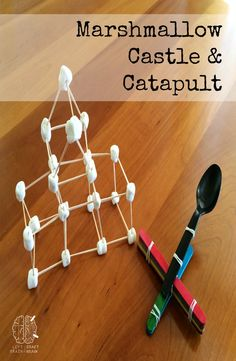 Marshmallow Castle and Catapult - Left Brain Craft Brain A yummy marshmallow castle and catapult build fine motor skills and set up for medieval pretend play. From Left Brain Craft Brain. If you enjoy arts and crafts you'll will love this cool site! Vbs Crafts, Camping Crafts, Crafts For Kids, Medieval Crafts, Medieval Party, Medieval Fair, History Medieval, Stem Activities, Activities For Kids