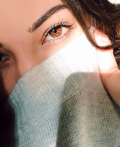 zonaq: Bae Beautiful Eyes Color, Pretty Eyes, Cool Eyes, Portrait Photography Poses, Tumblr Photography, Girl Photography Poses, Brown Eyes Aesthetic, Amber Eyes, Eye Pictures
