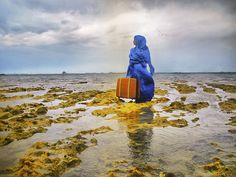 "Lateefa bint Maktoum (United Arab Emirates). ""The Last Look,"" 2011. Photo credit: Michele Molinari."