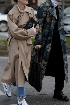 Trench Coat Outfits: 8 Different Ways You Can Style It