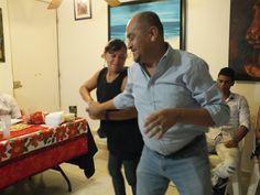 Una velada increíble y romántica se disfruto con la cena de Año Nuevo en Richart-Studio, donde Ricardo Castera del Razo acompañado de su esposa e hijos brindaron a los asistentes un caluroso inicio de año nuevo con canto y baile.