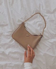 Aesthetic Bags, Cream Aesthetic, Brown Aesthetic, Luxury Purses, Luxury Bags, Sacs Design, Accesorios Casual, Prada Bag, Prada Purses