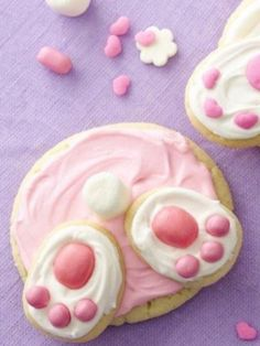 Super cute Bunny Butt Cookies - what a fun idea to do with the kids!