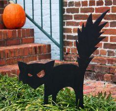 Gruselige Halloween Deko Ideen - schwarze Katze aus Papier
