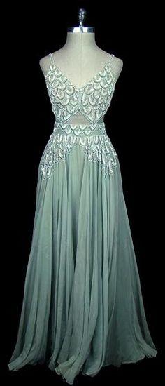 1930s art deco dress, lovely.
